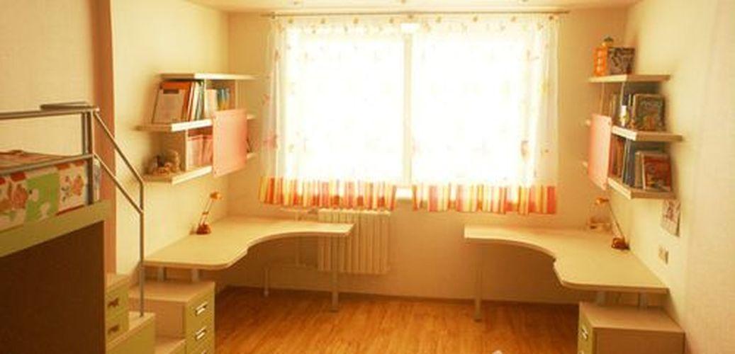 Письменный стол для двоих детей - в маленькой комнате - мног.